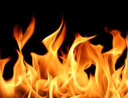 ٹہری ہوئی ٹرین کے لوکو شیڈ اے سی کوچ میں آگ لگ گئی