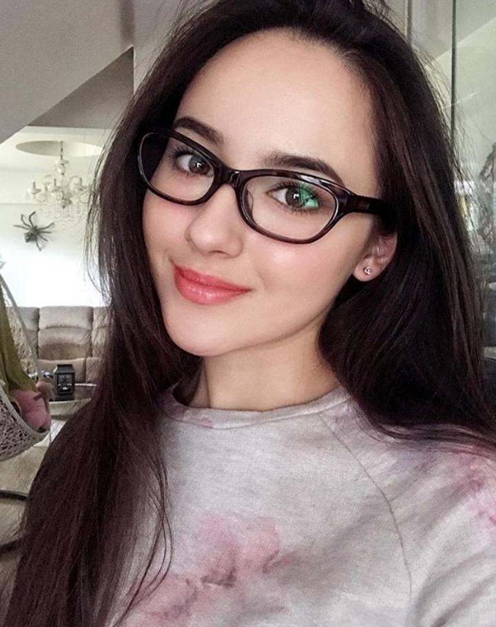 Gambar Cantik Hannah Delisha