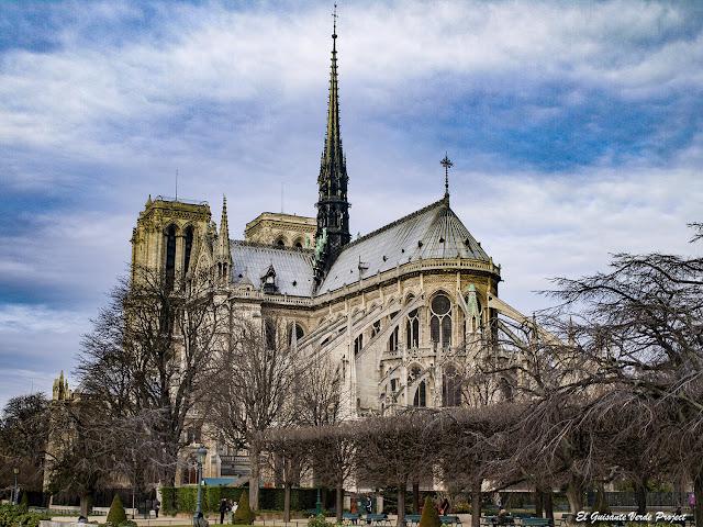 Catedral de Notre Dame (vista desde el ábside) - París por El Guisante Verde Project