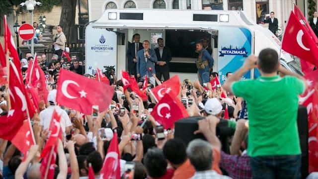 Erdogan: Si EEUU es aliado estratégico de Turquía debe extraditar a Gülen