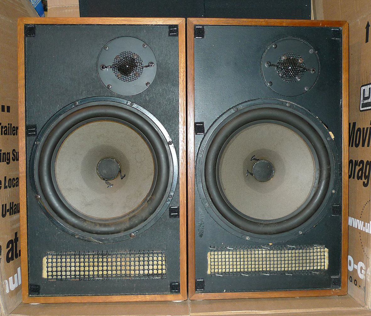 Restomoding a pair of Vintage Advent Baby Advent II Speakers