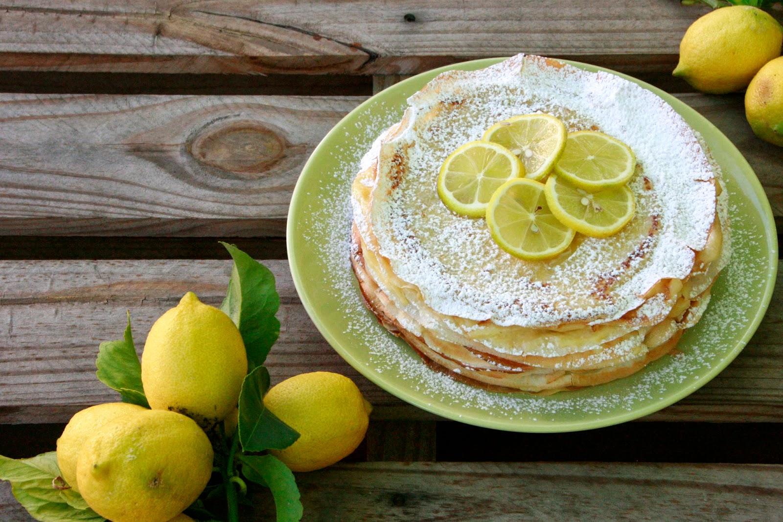 Tarta de creps farcida de lemon curd
