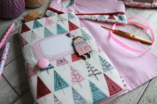Яна SunRay, текстильный комплект для рукодельницы, шитье, настроение своими руками,  подарок для девушки,  текстильный блокнот,  мягкий блокнот, блокнот рукодельный,  принцесса,  пенал для крючков, органайзер для спиц крючков. розовый комплект