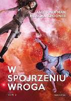 http://ksiazkomania-recenzje.blogspot.com/2016/12/w-spojrzeniu-wroga-amie-kaufman-meagan.html