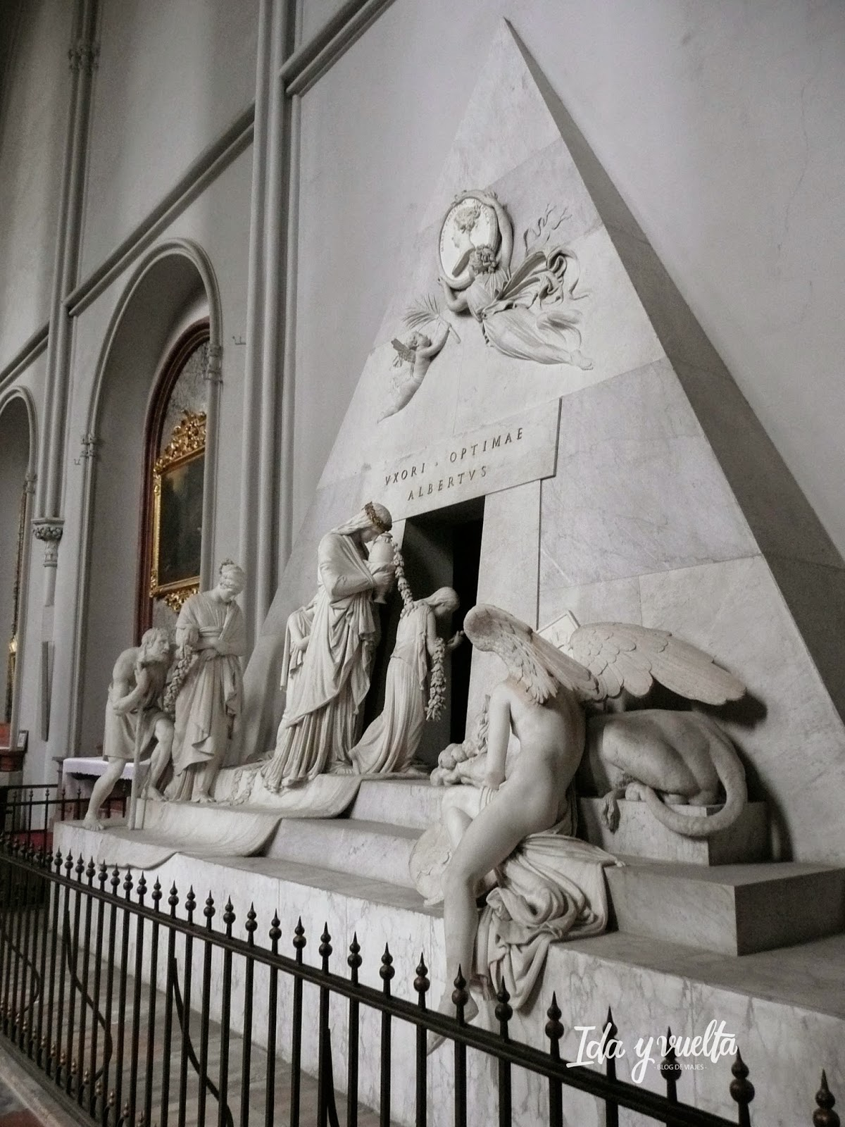 Monumento funerario Canova