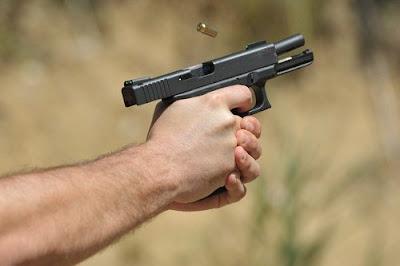 Заважала музика: чоловік відкрив стрілянину по сусідах