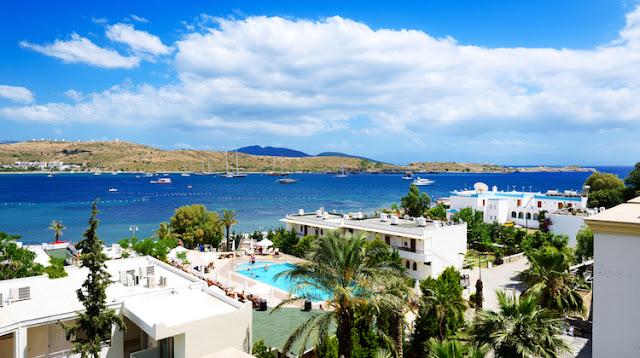 Турция уже обогнала по популярности российские курорты