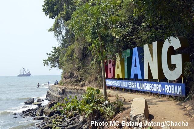 Pesona Pantai Ujung Negoro Batang