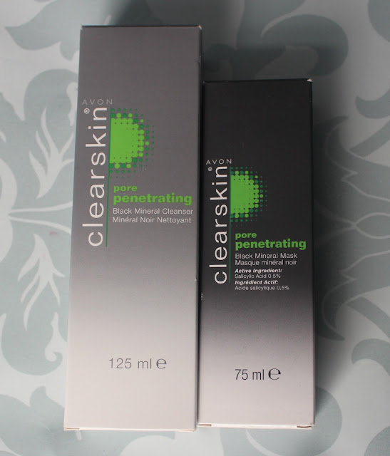 Photograph of the pore penetrating clay mask