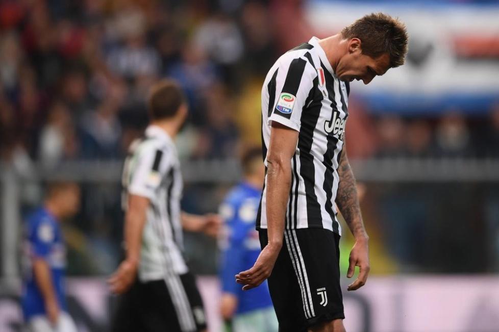 Juventus tremendo KO con la Sampdoria, il Napoli scappa | Calcio Serie A