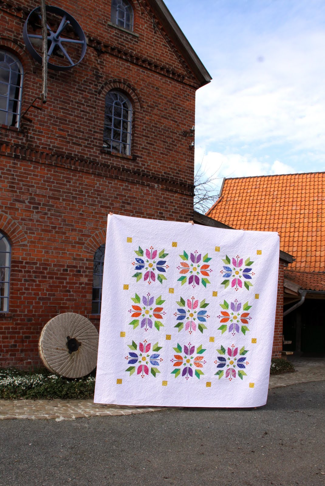Tiptoe Through The Tulips Quilt Pattern Pieced RC