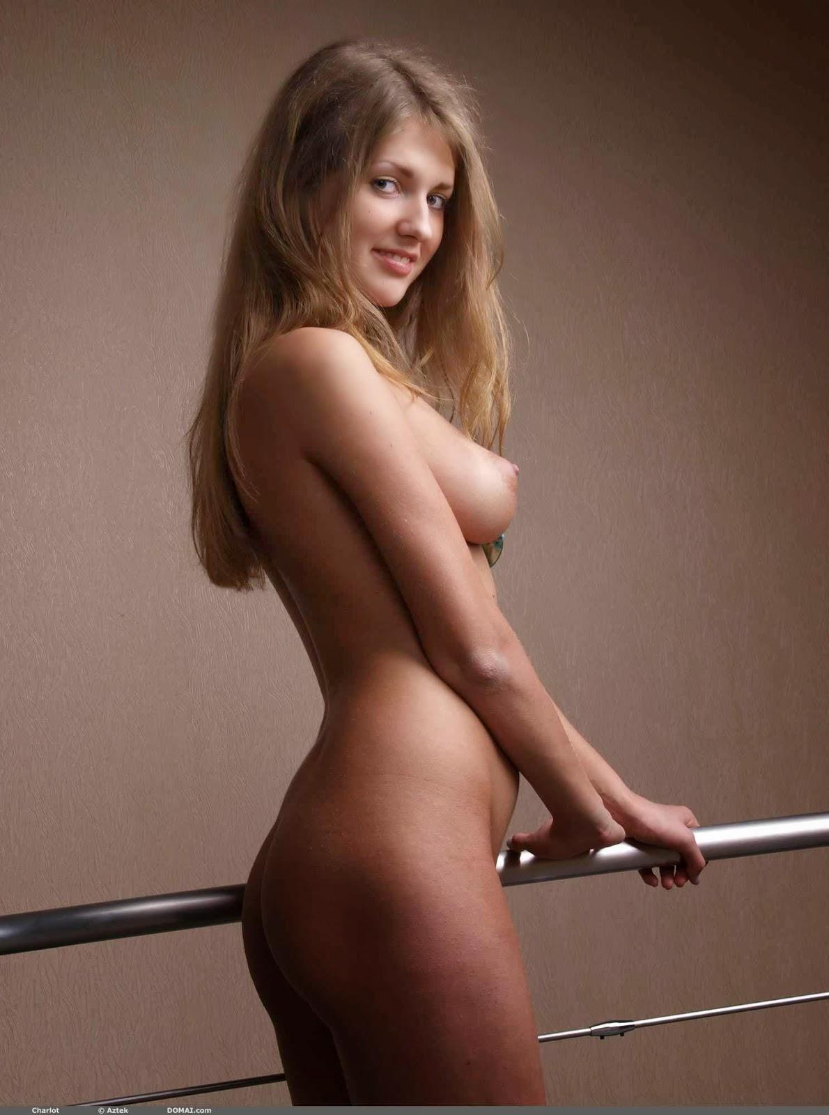 Charlot lepotica seks dekle soba slike-5413