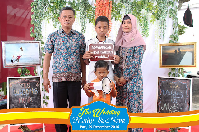 +0856-4020-3369; Jasa Photobooth Semarang ~Wedding Methy & Nova~