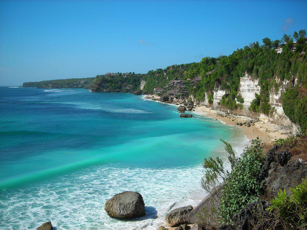banyak dibicarakan orang wacana pantai indah yang ada dibanten Tempat Wisata: Pantai Sawarna , Pantai indah yang tersembunyi ( Info, Lokasi, Rute )