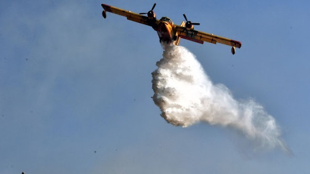 Μεγάλη πυρκαγιά στην Ολυμπία - Επιχειρούν 6 αεροπλάνα και 2 ελικόπτερα