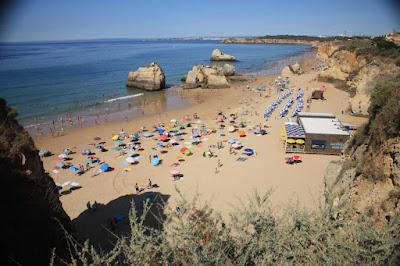 Praia dos Tres Castelos in Algarve