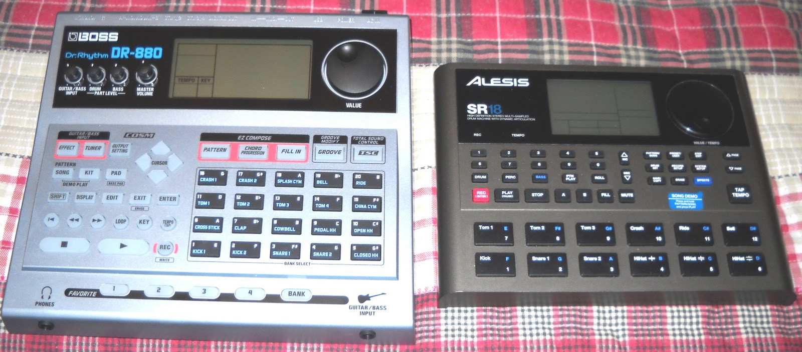 my journey in recording alesis sr 18 vs boss dr 880. Black Bedroom Furniture Sets. Home Design Ideas