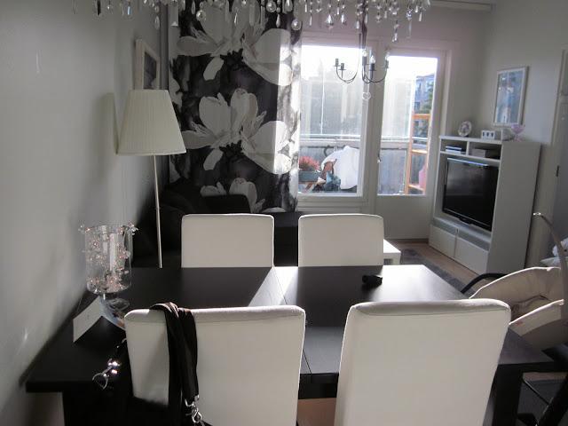 lasinen sohvapyt blogissa arvio valkoisen talon arkea olohuone