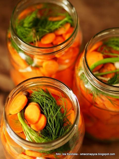 marchewka kiszona, marchew w solance, przetwory, moja spizarnia, marcheweczka, kiszonki, solanka, warzywa kiszone, samo zdrowie, dodatek do obiadu, na salatke, do salatek, talarki, moc witamin