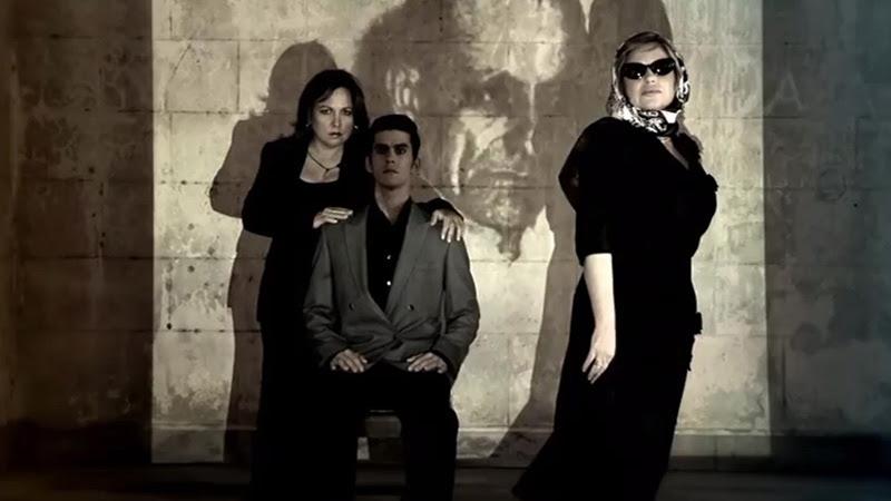 Liuba María Hevia - ¨Con los hilos de la luna¨ - Videoclip - Dirección: Pepe Hevia. Portal Del Vídeo Clip Cubano - 09