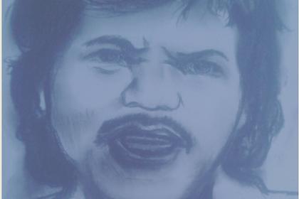 Menggambar sket wajah Benyamin dengan pensil diatas kertas