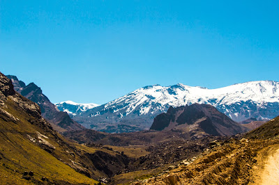 Cajón del Maipo - Volcán San José y Cerro Marmolejo
