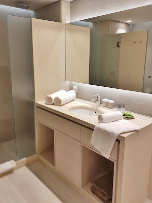 Amada Colossos Resort review bathroom