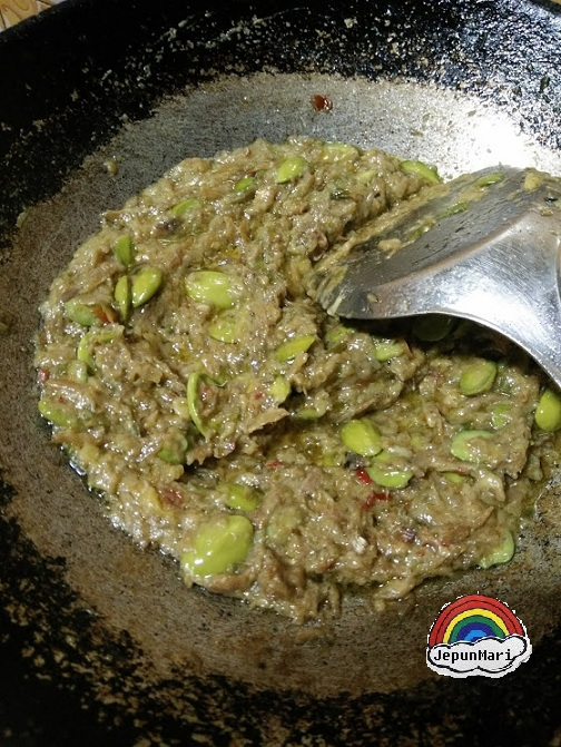 Masak sambal tempoyak petai gan Cendawan kukur pedas