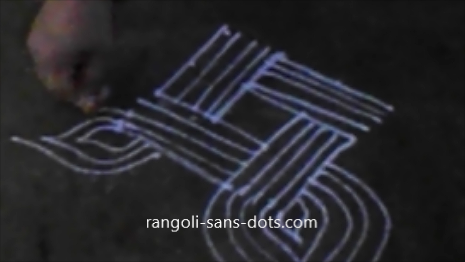 Diwali-rangoli-wtih-lines-1410af.jpg
