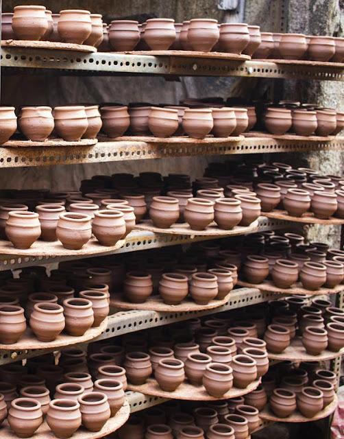 kulhad, kulhar, clay cups, kumbharwada, dharavi, mumbai, india