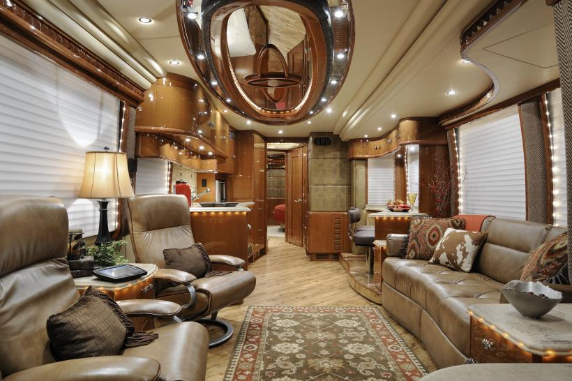 "Barry Thomas' ""Wheel to Wheel"": March 26: Palaces on wheels"