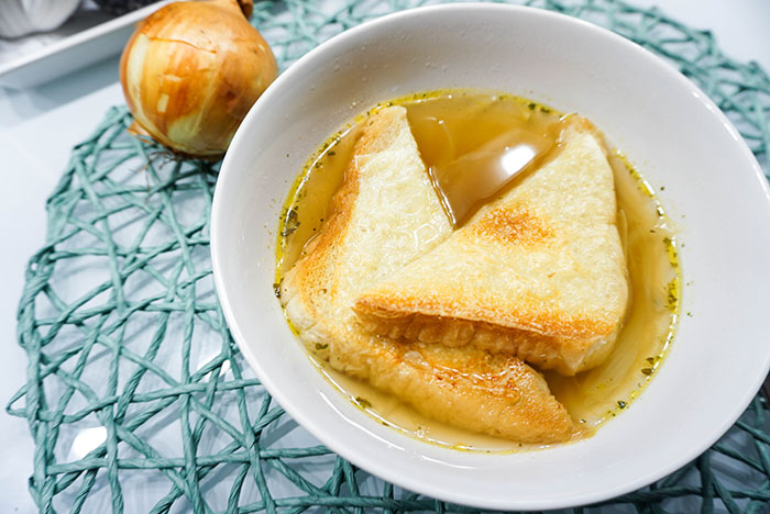 Zwiebelsuppe nach Plachutta