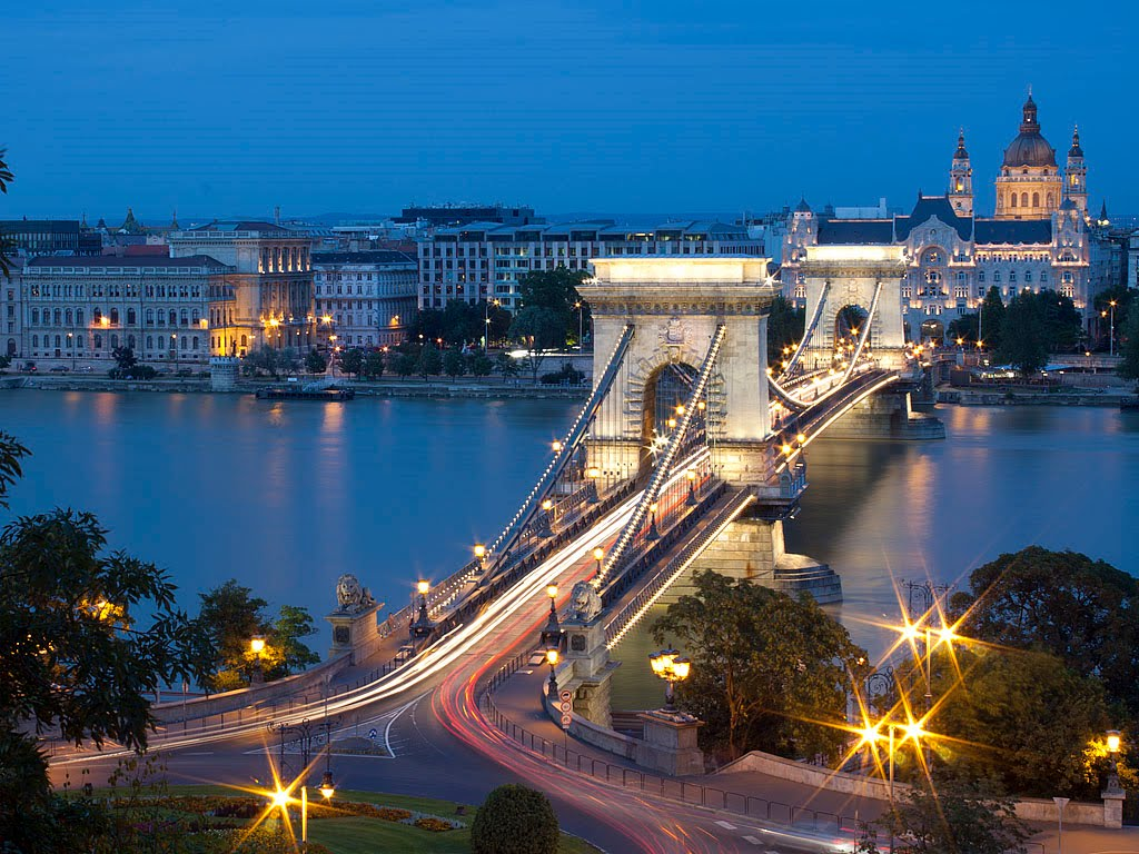 TOP WORLD TRAVEL DESTINATIONS: Budapest, The Queen Of The