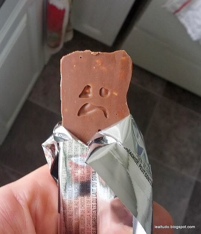 Chocolate Sad Face - Cara de Chocolate Triste - Pareidolia-001