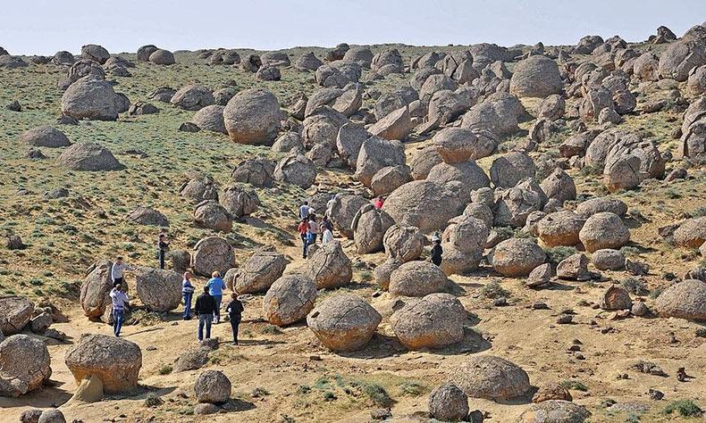 El valle de esferas - Torysh | Kazajstán