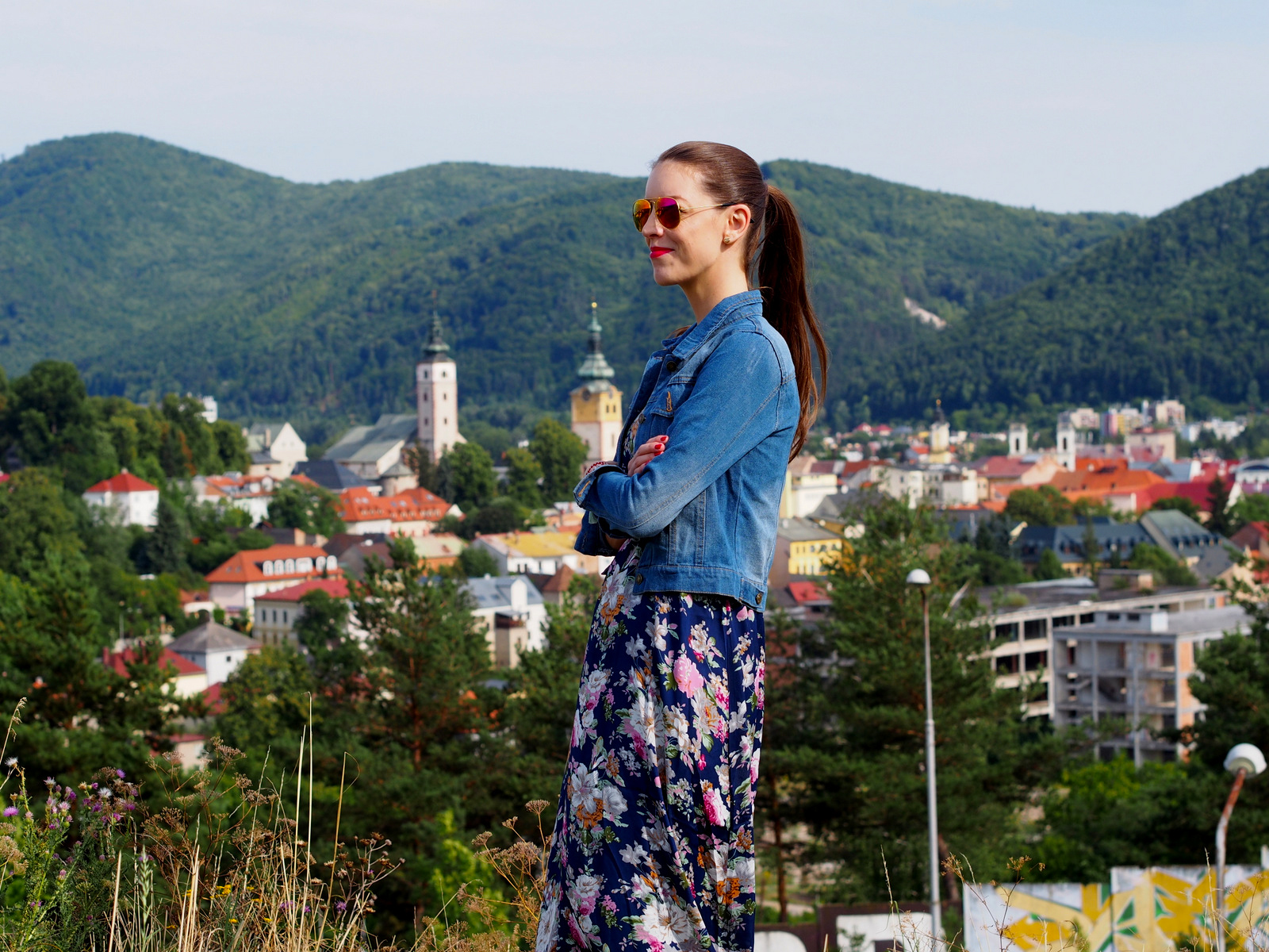 dlhé kvetované maxi šaty // maxi floral dress with denim jacket