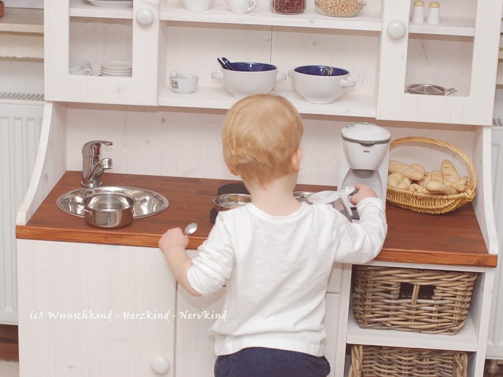 Eine Selbstgebaute Kinderküche Ist Etwas Ganz Besonderes Und Kann Sich  Individuell Auf Den Vorhandenen Platz Und