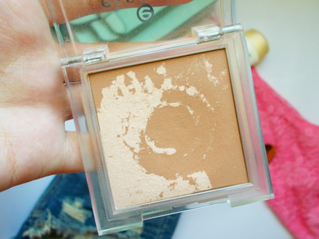 fashion with valentina,fashion with valentina blog,fashion blogger valentina,valentina batrac,hrvatski beauty blogovi,croatian beauty blogs,essence,essence Sun Club 2 in 1 Bronzing Powder REVIEW