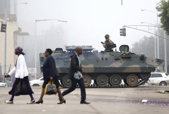 Zimbabwe army has Mugabe