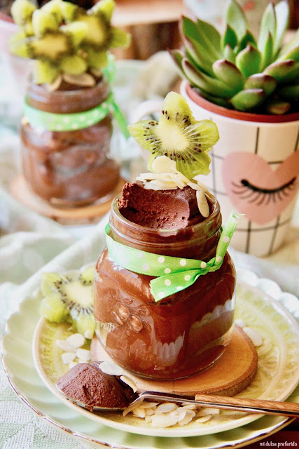 avocado-and-chocolate-mousse, mousse-de-chocolate-y-aguacate