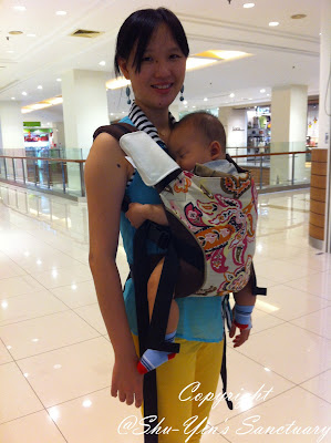 Shu Yin S Sanctuary Review Baby Wearing Using Pikkolo Baby Carrier