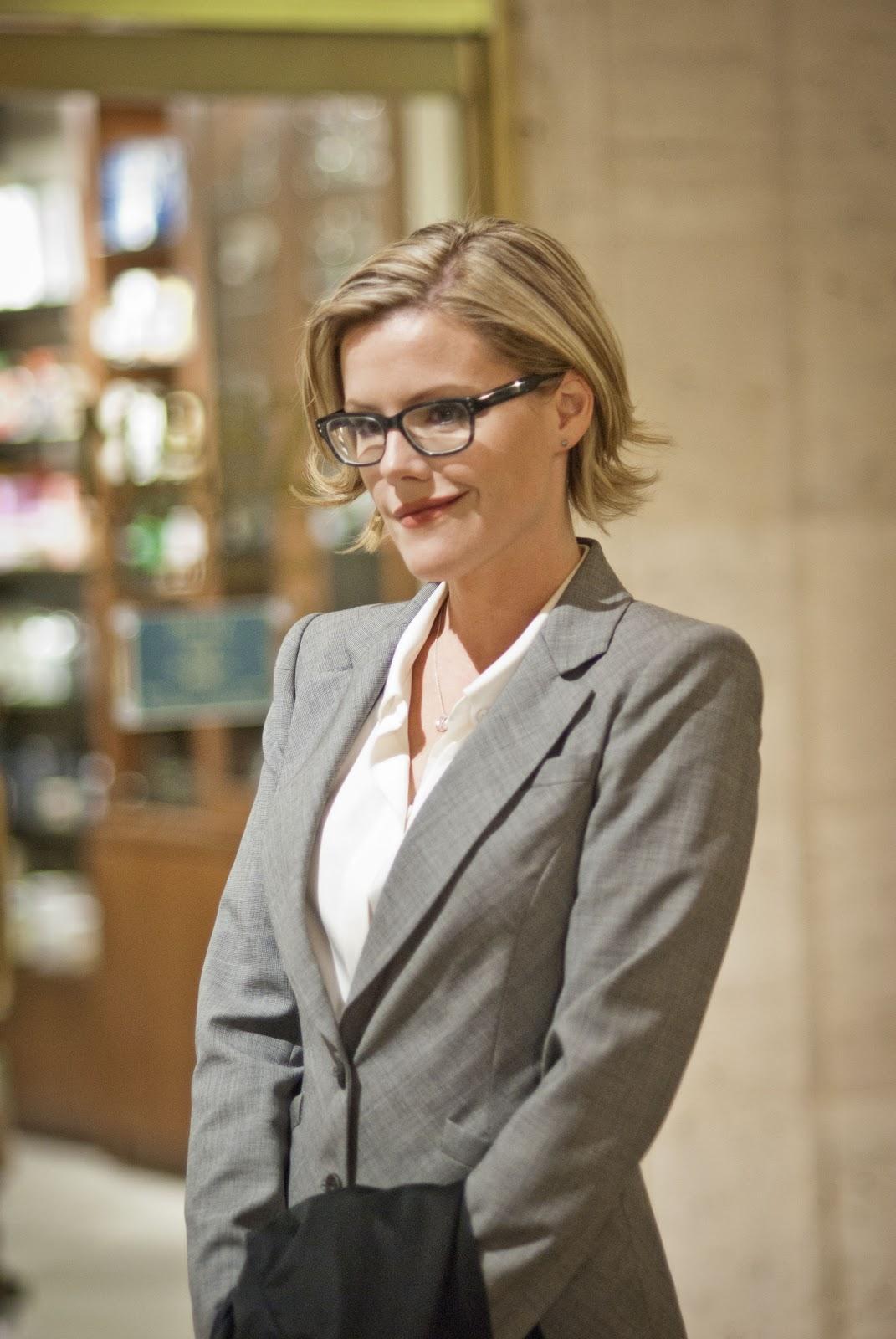 Kathleen robertson boss 02 - 3 2