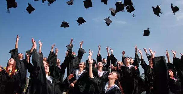 Tips Memilih Tempat Kerja Bagi Fresh Graduate