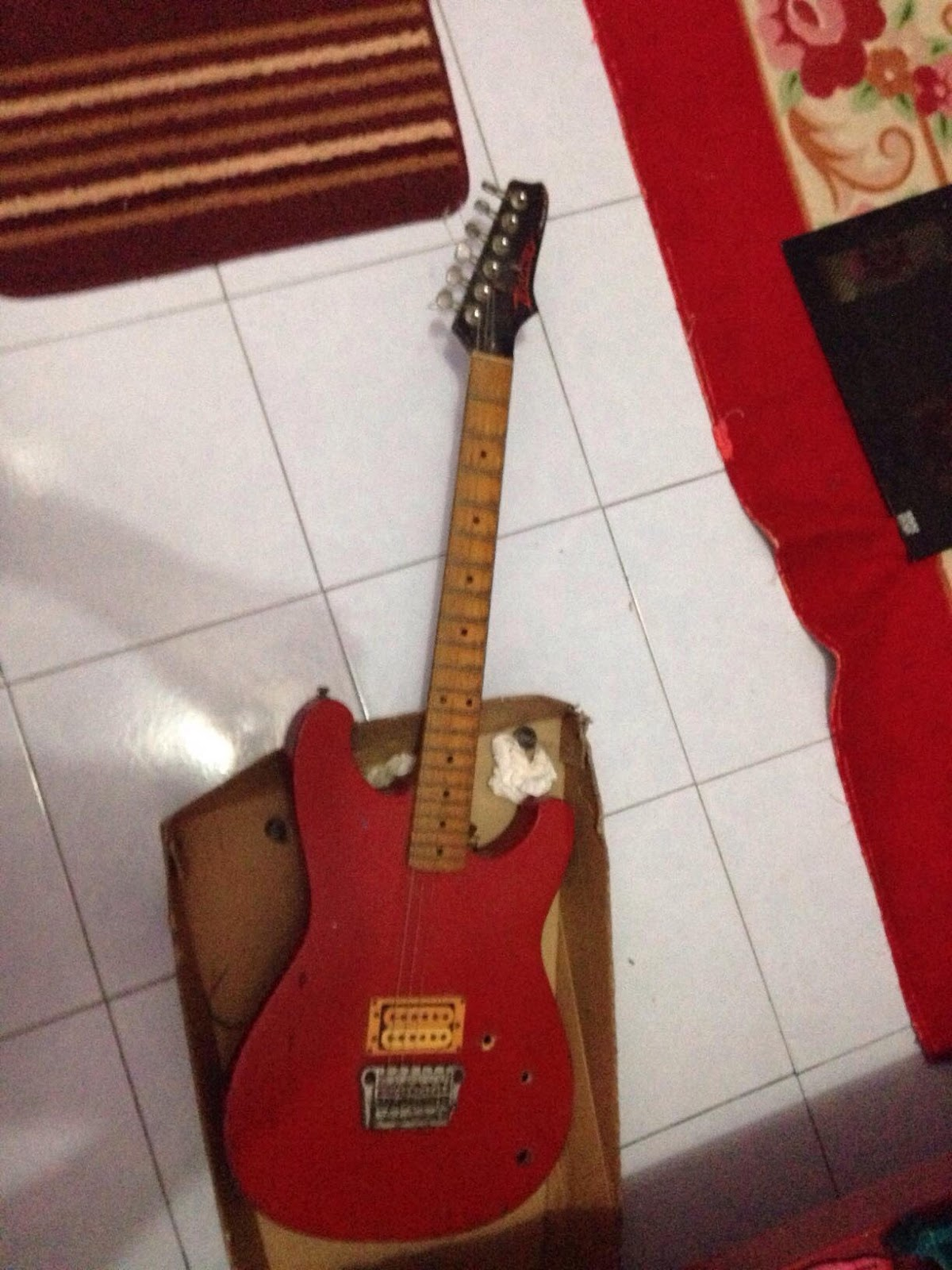 Help Me 1 Hum Volume Tone And No Switch Ibanez Input Jack Wiring This Is The Guitar Its