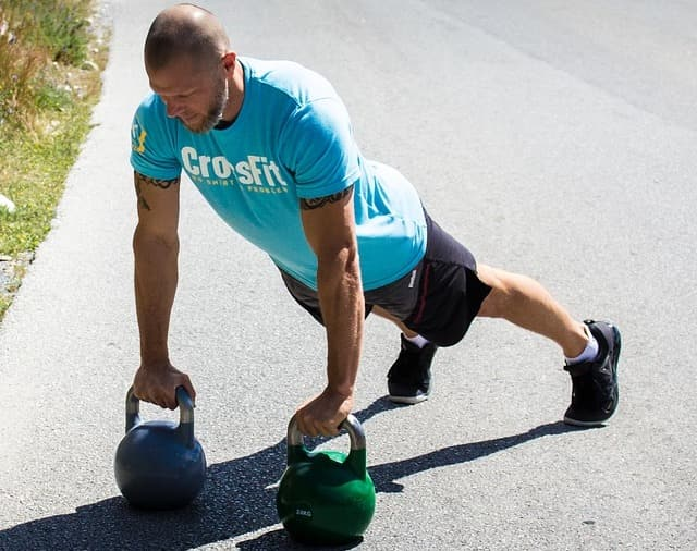 frugal crossfit workouts sport performance train like an athlete