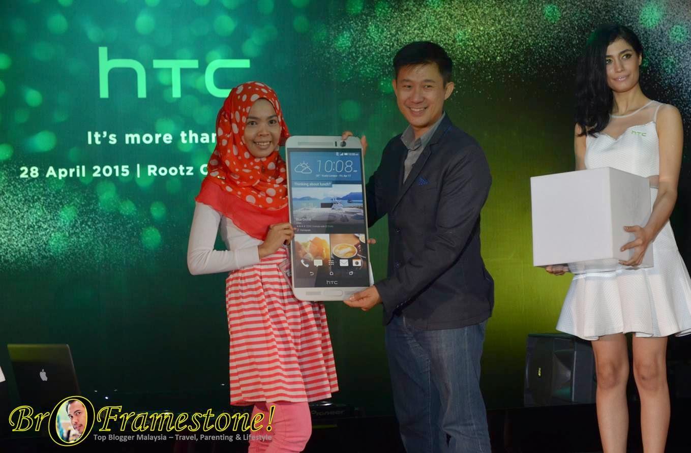 Iena Eliena Menang HTC One M9+