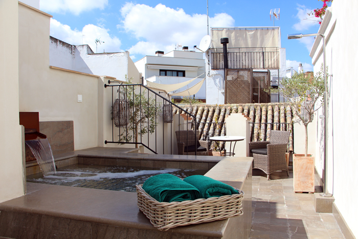 Hotel Corral del Rey in Sevilla - Suite Private Rooftop Pool
