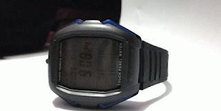 Gambar Jam tangan remote