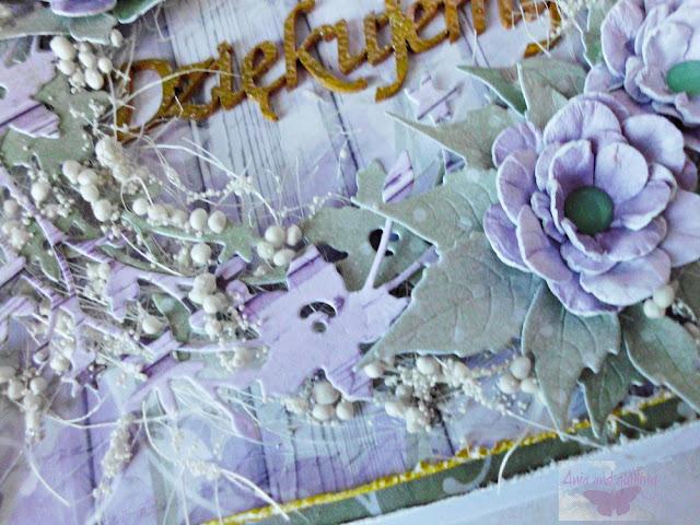 ozdobu na kartce -wianek, kulki, kwiaty