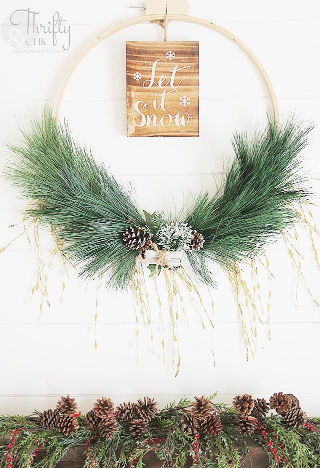 DIY Christmas wreath made with an embroidery hoop. DIY Christmas decor and decorating ideas. Farmhouse Christmas ideas